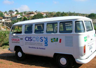 Il pulmino Ciscos donato alla Favelas